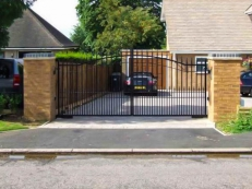 Domestic Electric Swing Gate Installation